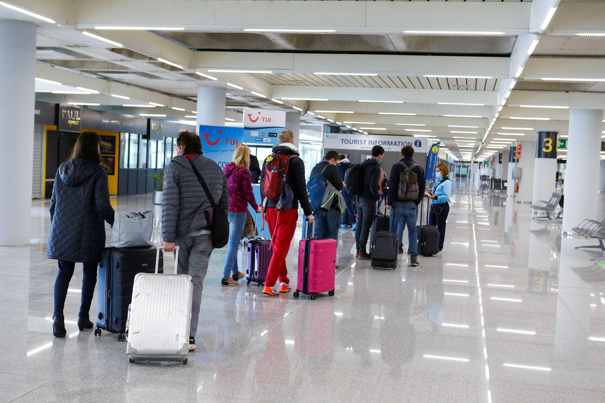Γερμανία: Μειώνει τις αφίξεις ταξιδιωτών από την Ινδία – Θεωρείται «χώρα υψηλού κινδύνου»