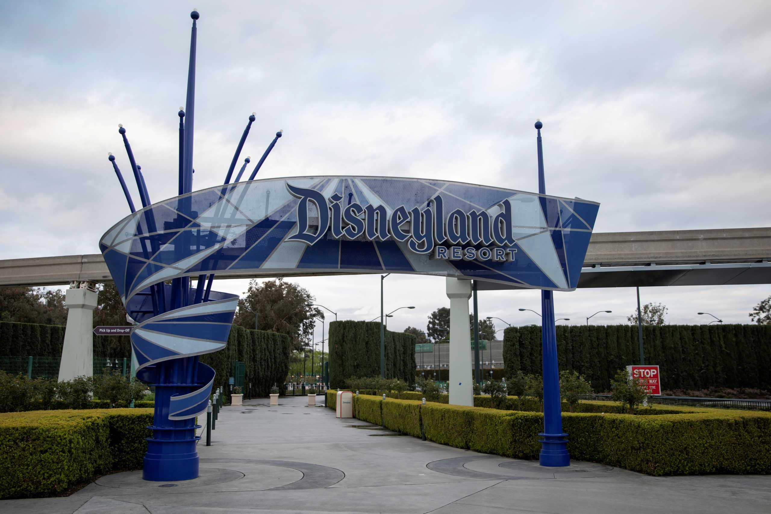 Ανοίγει μετά από έναν χρόνο η Disneyland