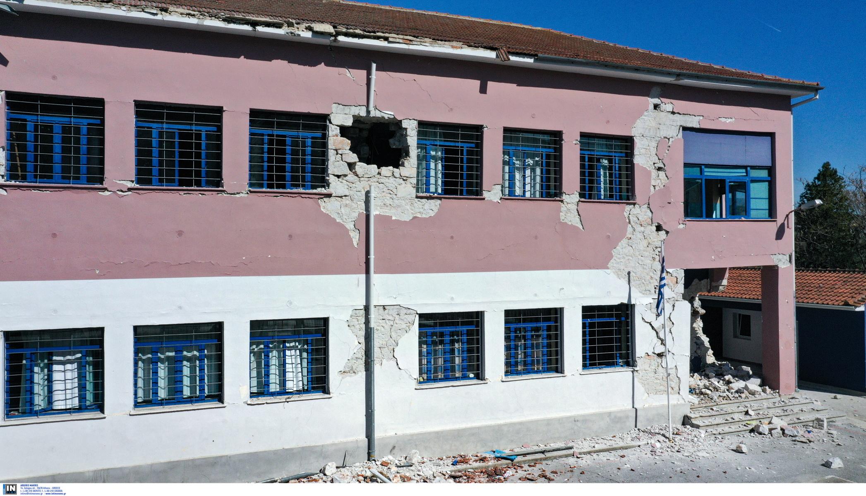 Σχολείο στο Δαμάσι Τυρνάβου: 80 χρόνια ιστορίας κατέρρευσαν σε δευτερόλεπτα (pics)
