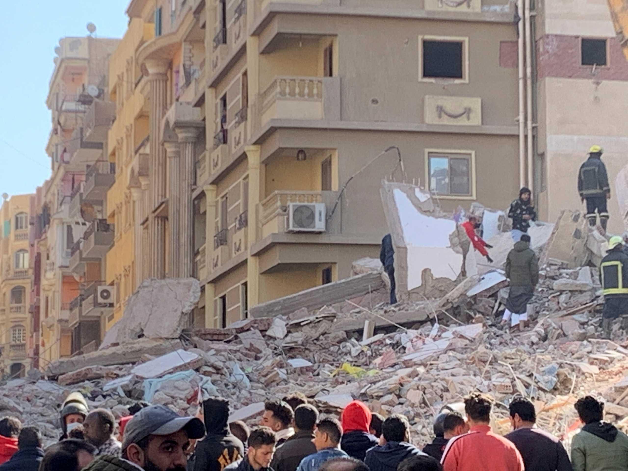 Αίγυπτος: Τραγωδία δίχως τέλος – 23 οι νεκροί από την κατάρρευση πολυκατοικίας στο Κάιρο