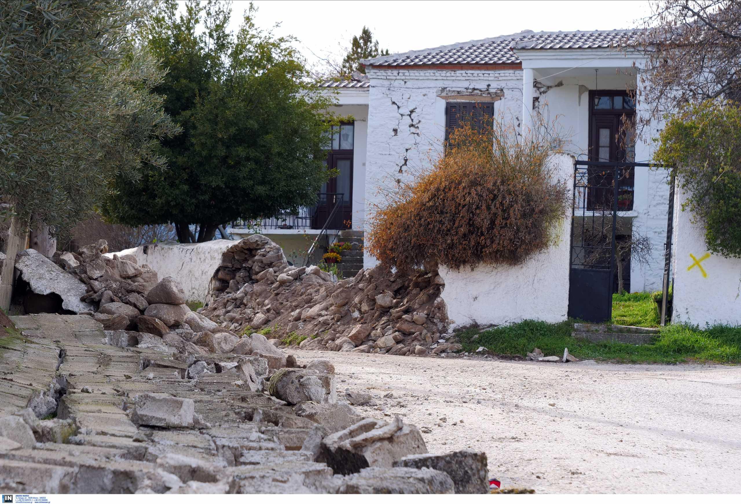 Νέες ρωγμές σε σπίτια από το νέο σεισμό των 5,2 Ρίχτερ σε Ελασσόνα και Τύρναβο