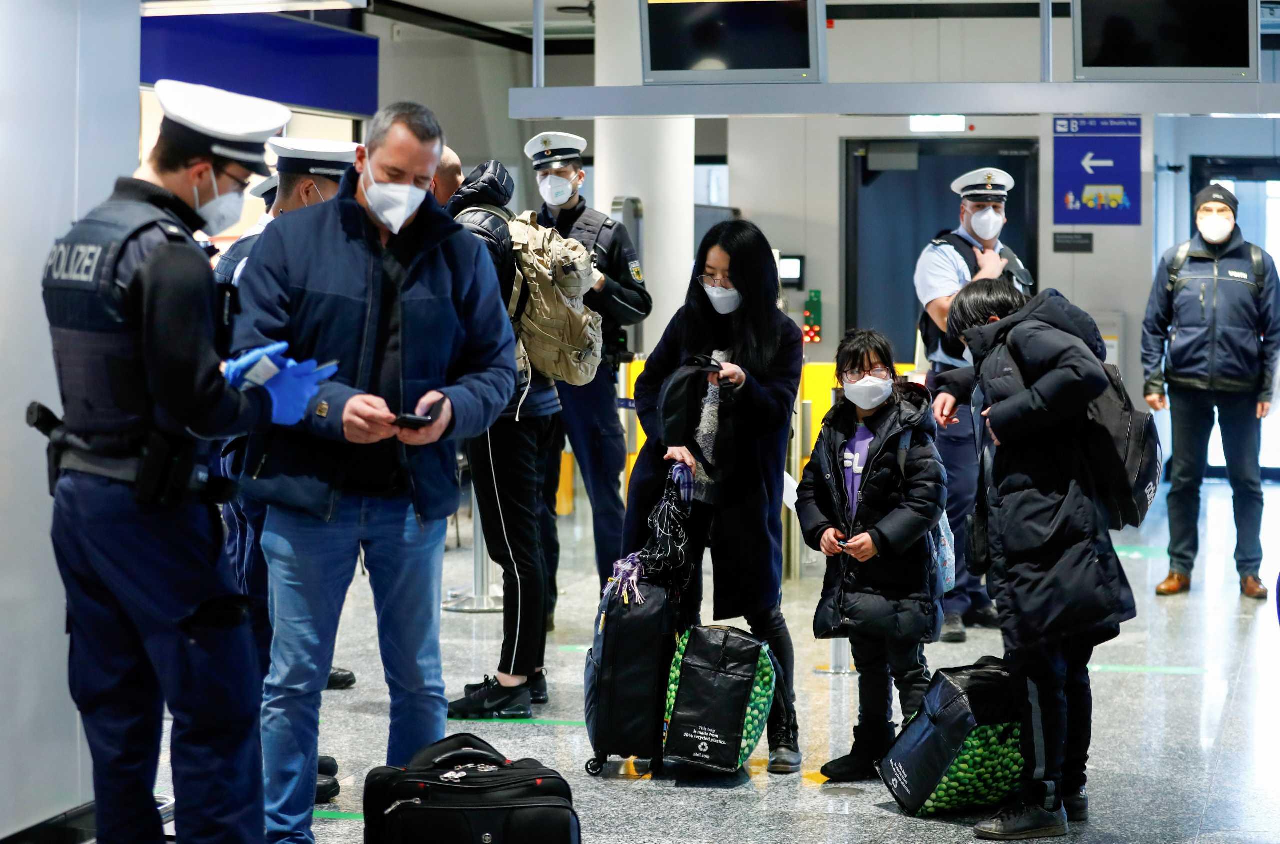 Αρνητικό τεστ κορονοϊού πρέπει να έχουν οι ταξιδιώτες πριν μπουν σε πτήση προς Γερμανία