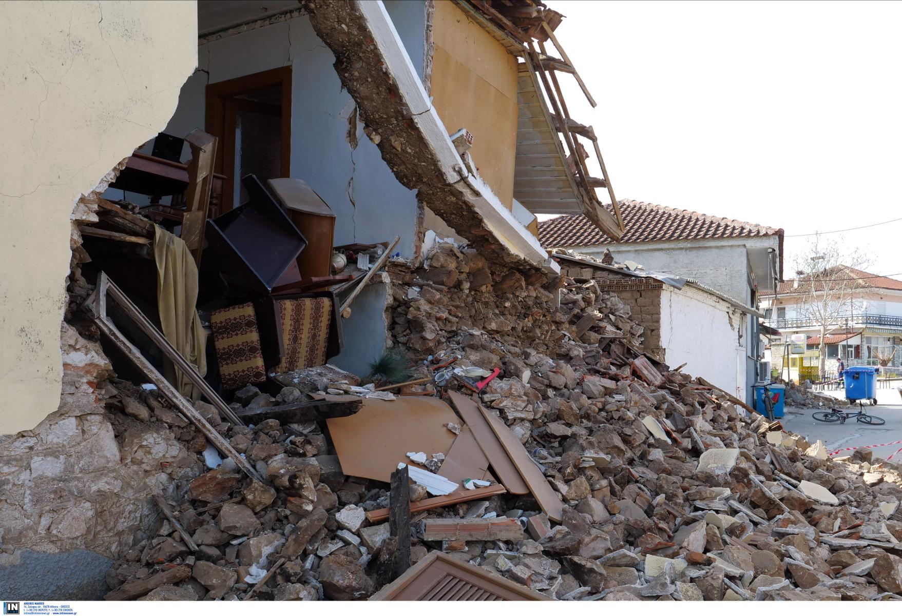 Σεισμός – Ελασσόνα: Βοήθεια με είδη πρώτης ανάγκης από την Κρήτη – Δύσκολες ώρες στα χαλάσματα