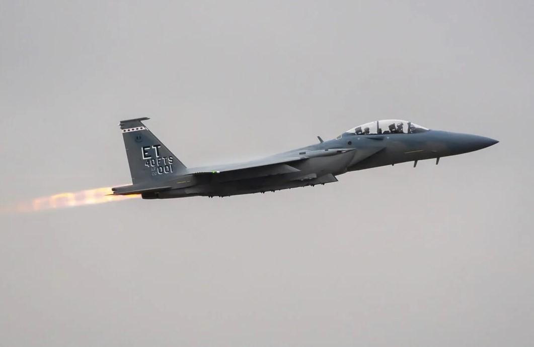 F-15EX: Αυτό είναι το πιο προηγμένο μαχητικό 4ης γενιάς που απέκτησαν οι ΗΠΑ! [pics, vid]