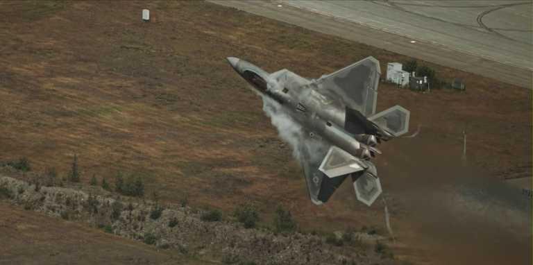 F-22: Και όμως το «πανίσχυρο» και «άτρωτο» stealth μαχητικό έχει…αδυναμίες (video)