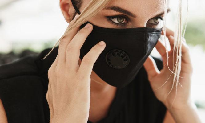 Κορονοϊός: Ποιες μάσκες γίνονται πιο αποτελεσματικές με τη χρήση