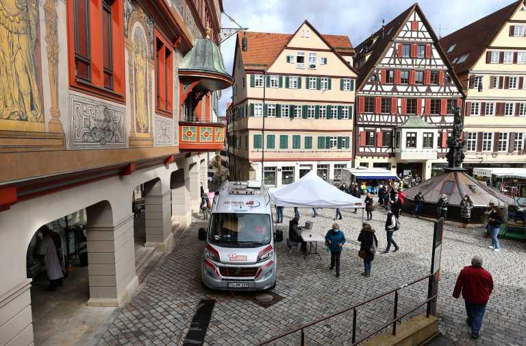 Γερμανία: 104 νεκροί και πάνω από 17.800 νέα κρούσματα