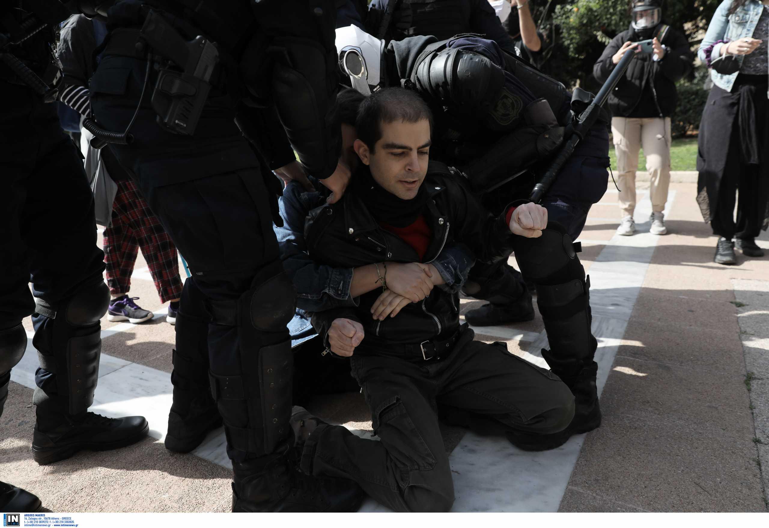 30 προσαγωγές στις διαμαρτυρίες για τον Κουφοντίνα – Ανάμεσά τους και ο γιος του