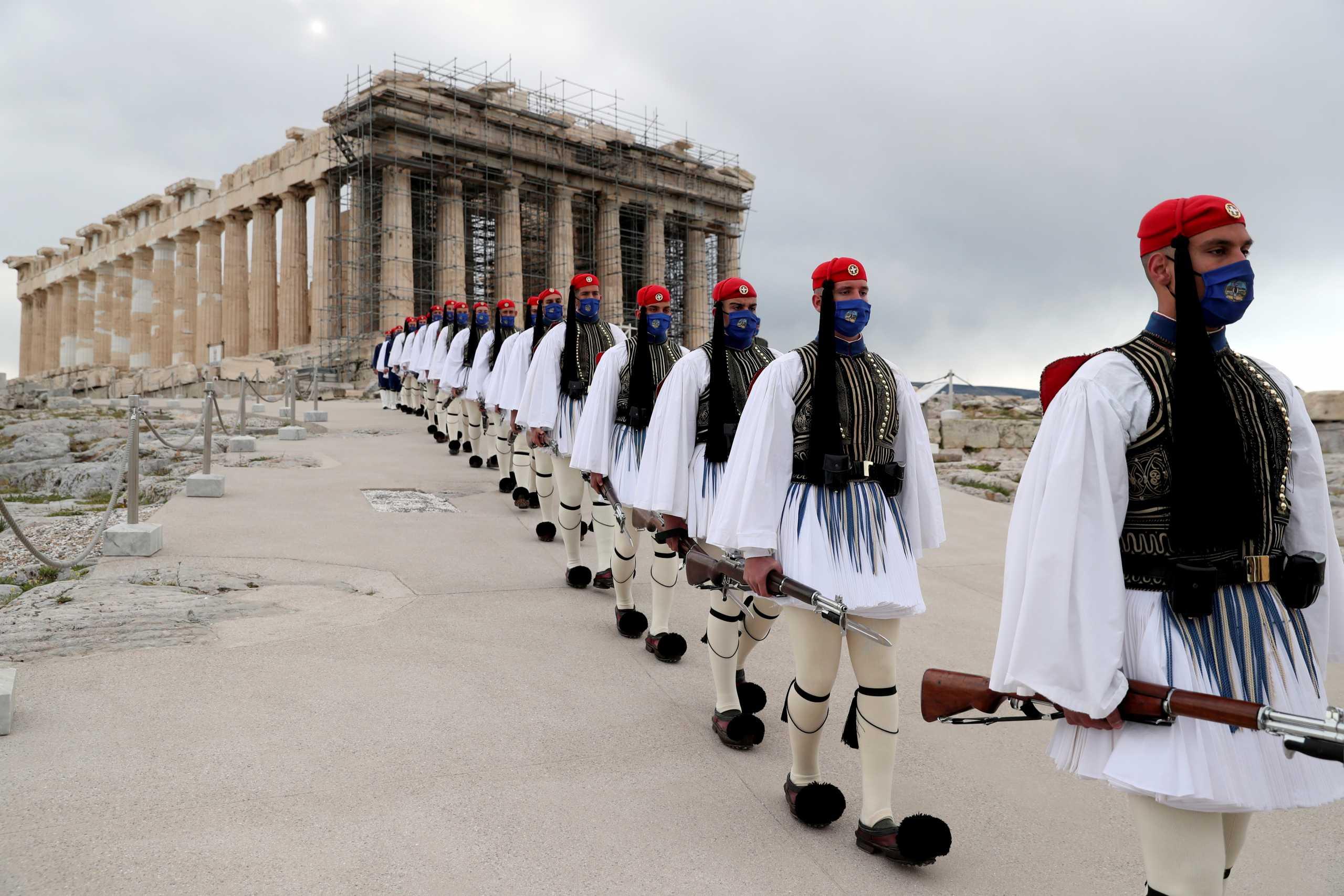 Γερμανία: «Ο έξω κόσμος θέλει να γιορτάσει την 200ή επέτειο με τους Έλληνες και το δείχνει»