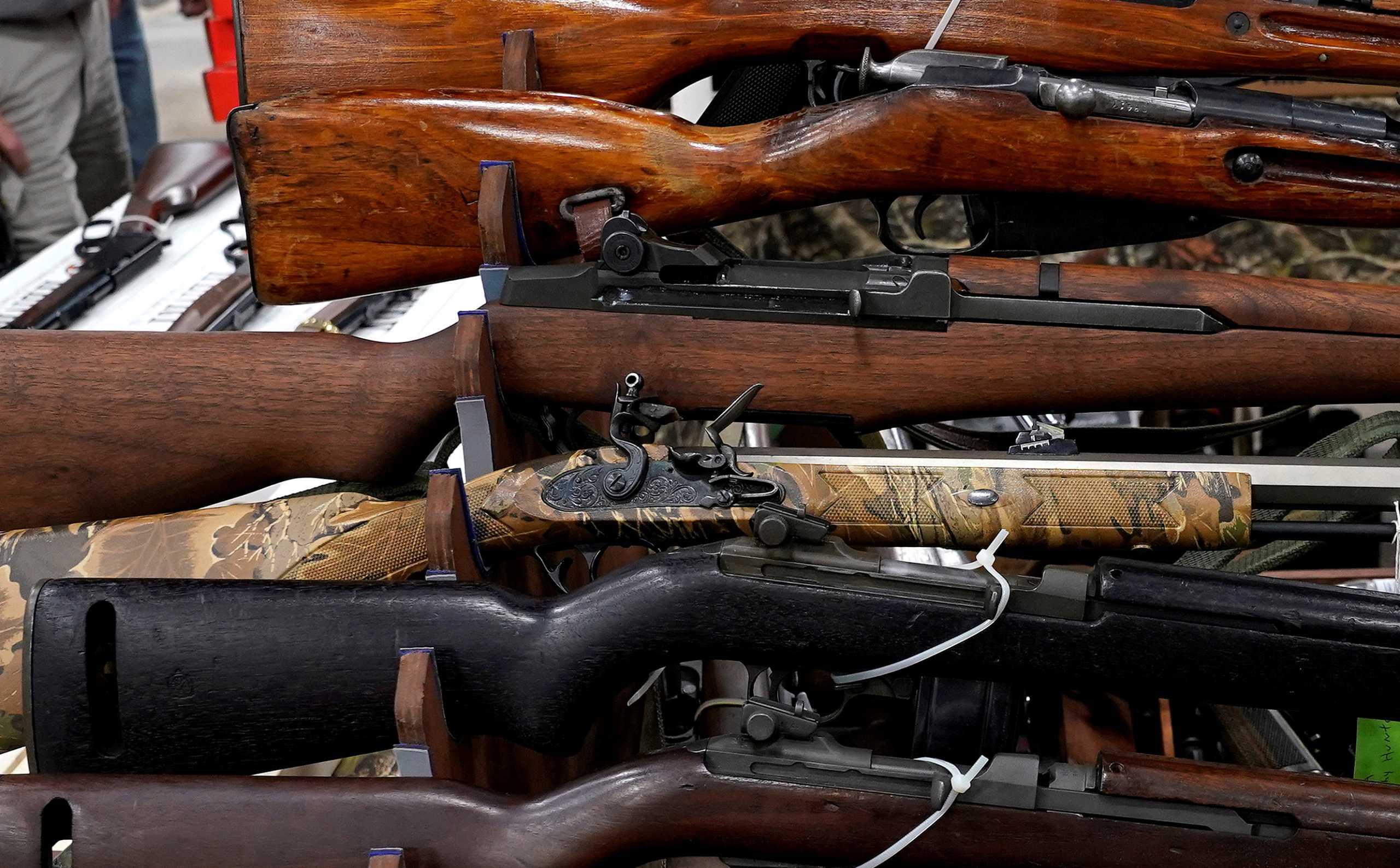 ΗΠΑ: Απέφυγαν νέο μακελειό; Πιάστηκε 22χρονος με 6 όπλα μέσα σε σούπερ μάρκετ