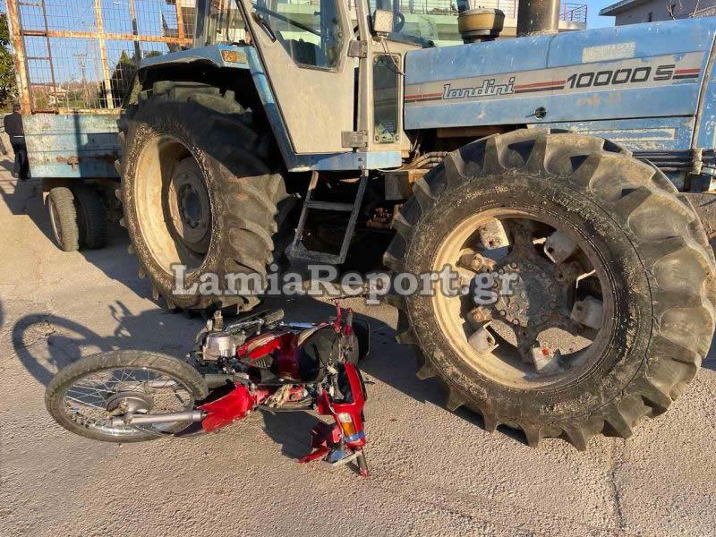 Λαμία: Η τραγική ειρωνεία πίσω από το φοβερό τροχαίο – Τρακτέρ διέλυσε μηχανάκι (pics)