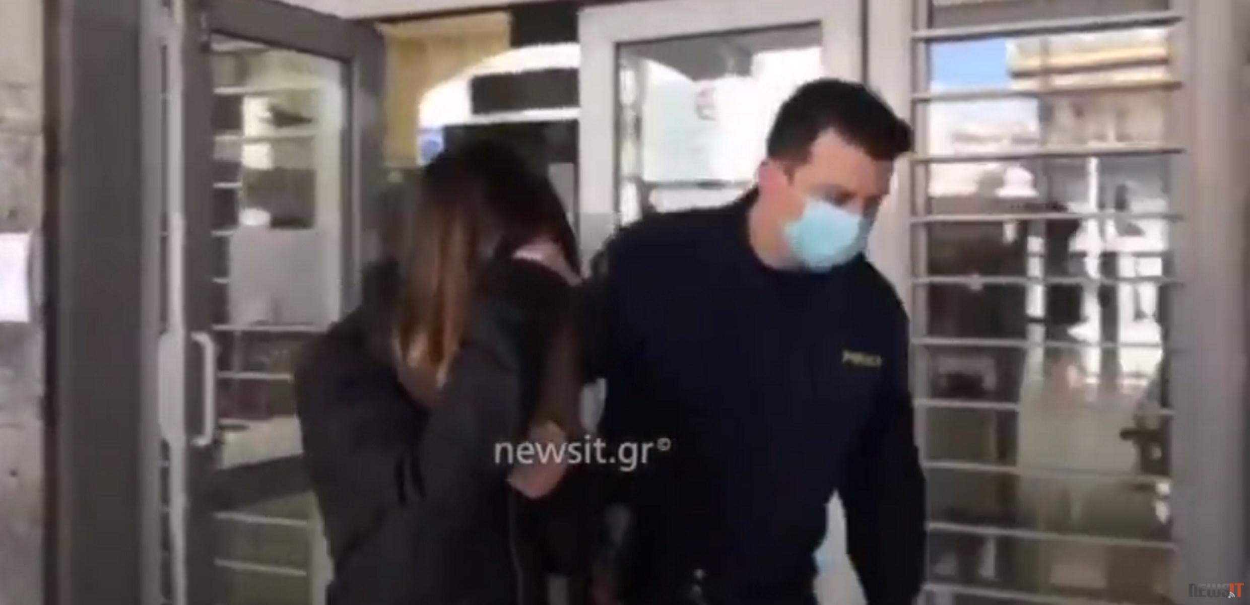 Τούμπα: Φυλάκιση με αναστολή στην Ισπανίδα για το κορoνοπάρτι μαμούθ – «Κάλεσα 12, ήρθαν 52» (video)