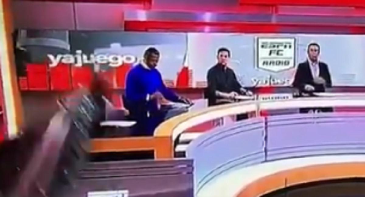Κολομβία: Πλατώ τηλεοπτικής εκπομπής του ESPN καταπλάκωσε δημοσιογράφο στον αέρα (video)