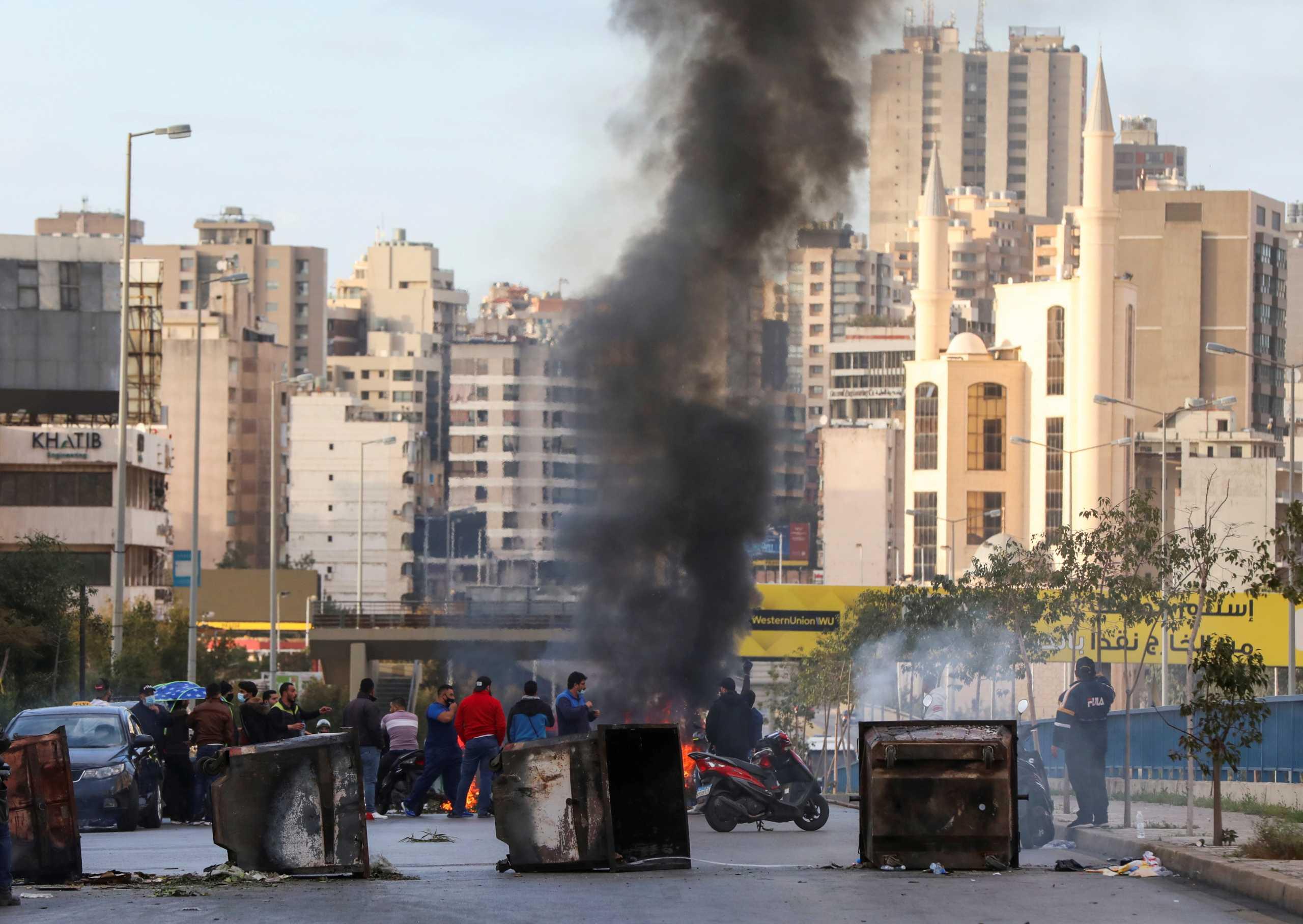 Αναβρασμός στο Λίβανο – Ο πρόεδρος καλεί τον πρωθυπουργό να σχηματίσει κυβέρνηση ή να φύγει