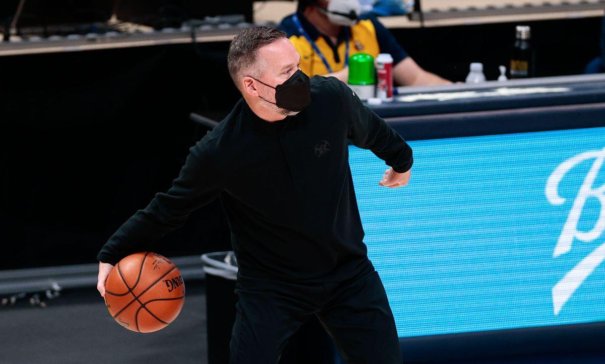 NBA: Δάκρυσε ο προπονητής των Νάγκετς αναφερόμενος στο μακελειό στο Κολοράντο (video)