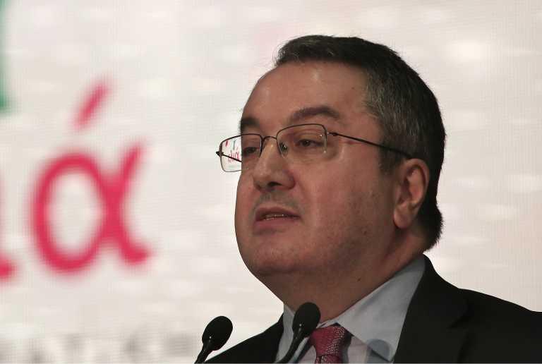 Μόσιαλος: H κολχικίνη δεν μειώνει τη θνητότητα στους νοσοκομειακούς ασθενείς με κορονοϊό