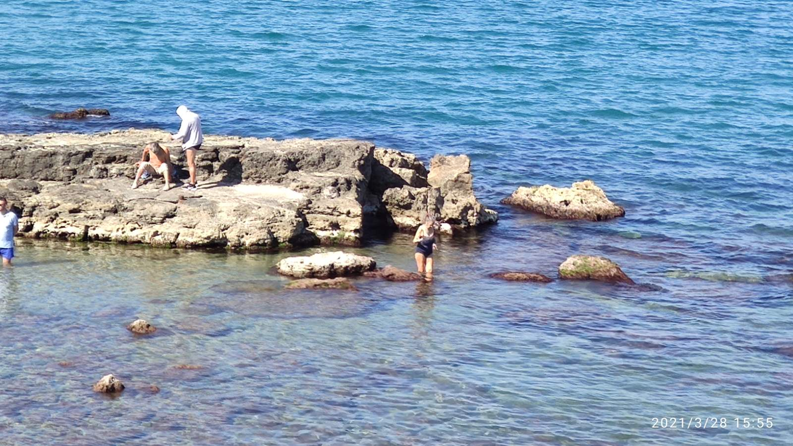 Κρήτη: Η άνοδος της θερμοκρασίας έφερε περισσότερες βουτιές στις παραλίες (pics)