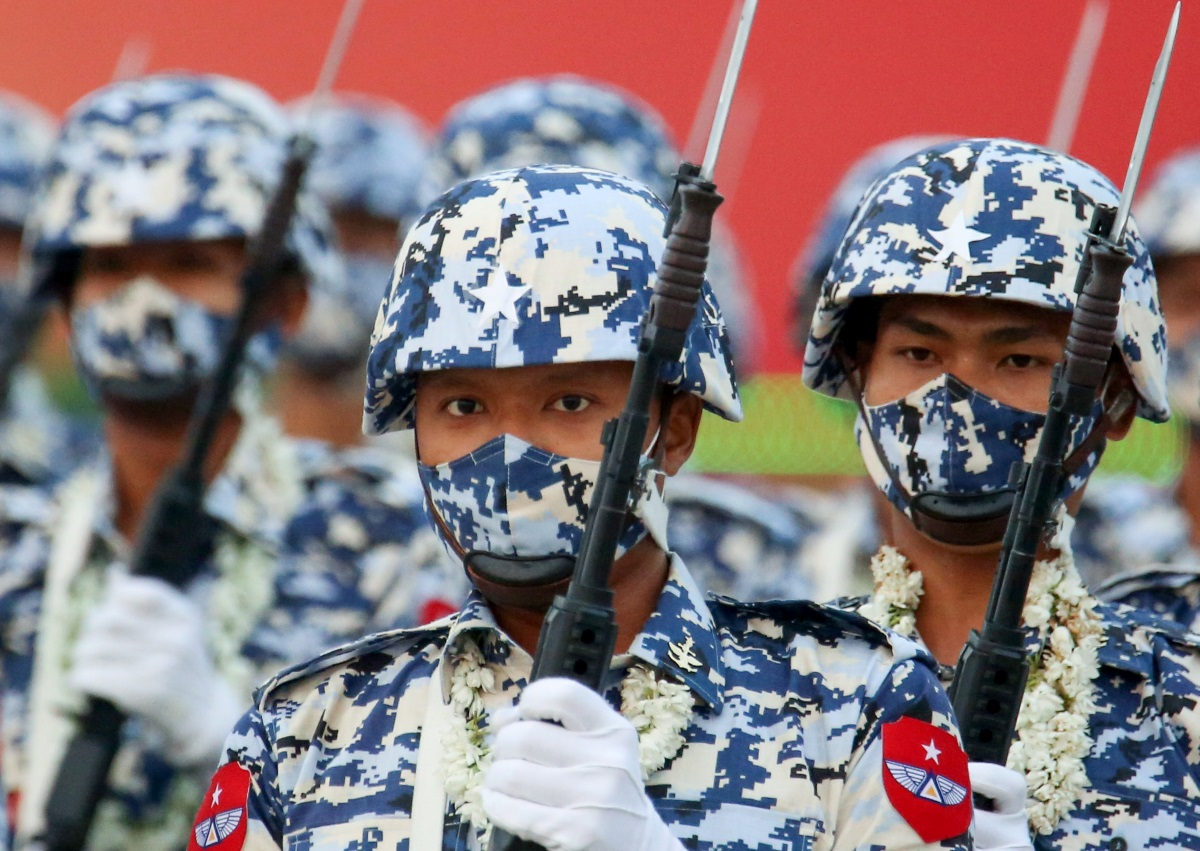 ΗΠΑ: Σφίγγουν τον κλοιό γύρω από τη χούντα της Μιανμάρ – Αναστέλλεται η εμπορική συμφωνία των δύο χωρών