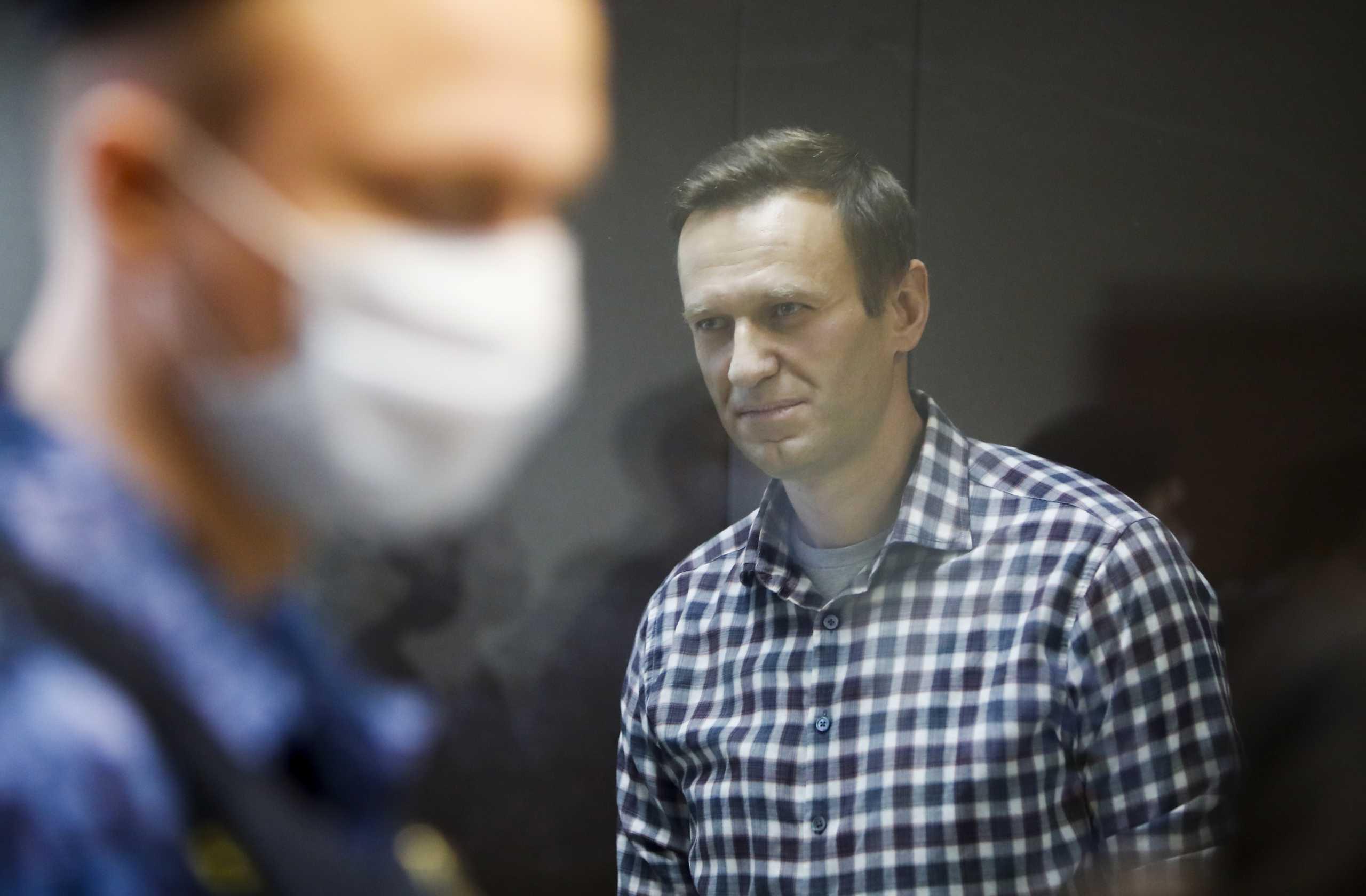 Για «στέρηση ύπνου» καταγγέλλει τις ρωσικές σωφρονιστικές αρχές ο Αλεξέι Ναβάλνι