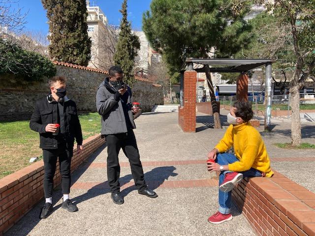 Θεσσαλονίκη: Ήρθαν για σπουδές και… κόλλησαν – Έγιναν οπαδοί της πόλης την εποχή του κορονοϊού (pics)