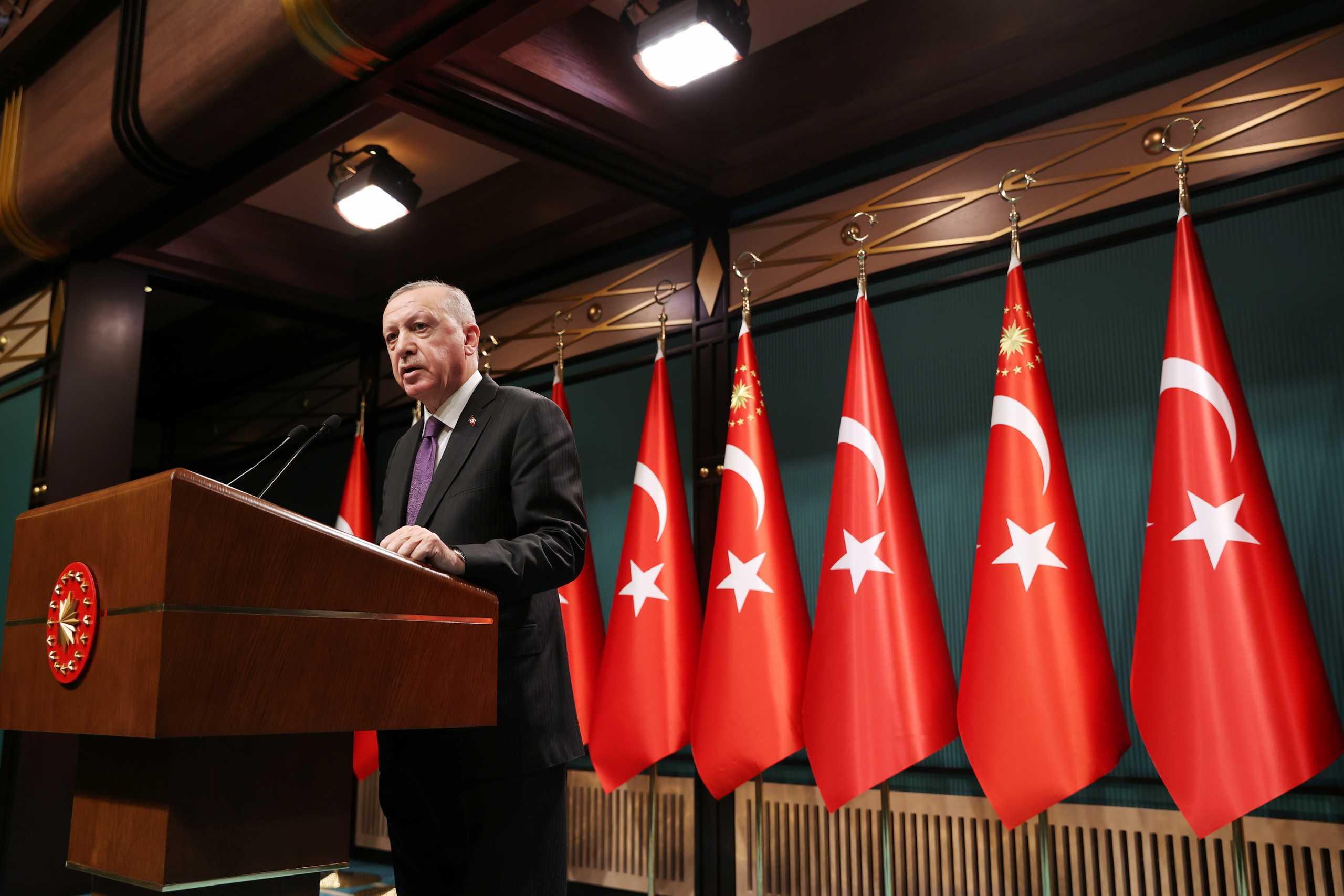 Ο Ερντογάν υπόσχεται ισχυρότερες ελευθερίες και δικαιώματα στην Τουρκία