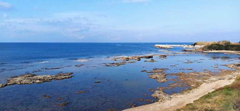 Πρέβεζα: Η άμπωτη «ρούφηξε» τη θάλασσα – Απόκοσμη εικόνα