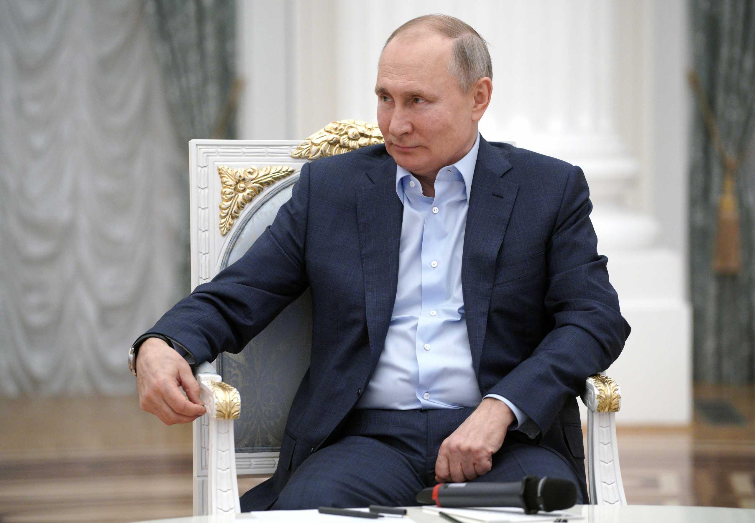 Ο Βλαντιμίρ Πούτιν ξεμπέρδεψε με το εμβόλιο – Έκανε και την 2η δόση