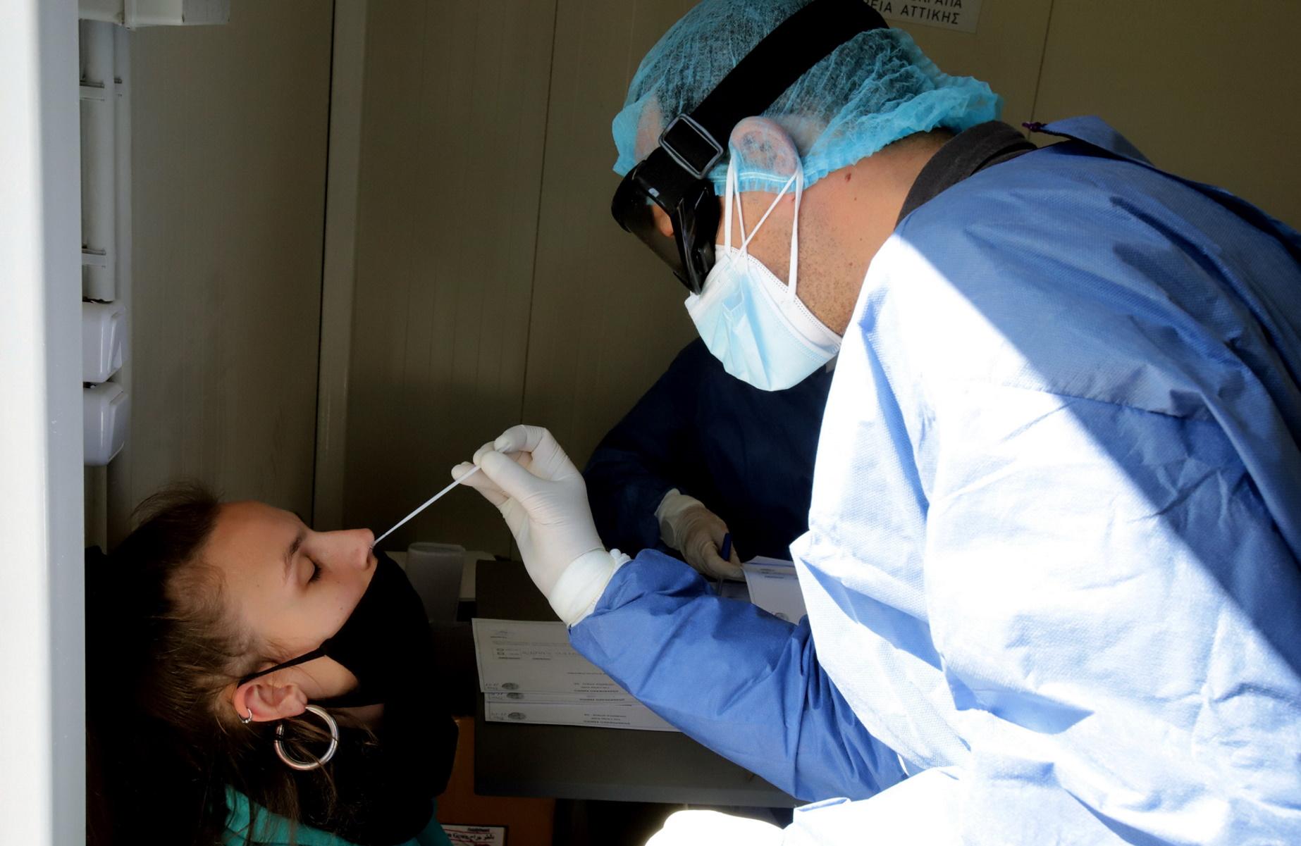 «Βόμβα» Μαγιορκίνη: Ένας στους 20 που θα κάνει το τεστ κορονοϊού θα βγει θετικό