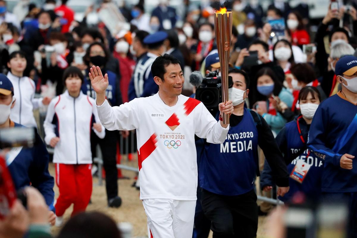Ολυμπιακοί Αγώνες: Ξεκίνησε η λαμπαδηδρομία – Διαμαρτυρίες στο Τόκιο (video, pics)