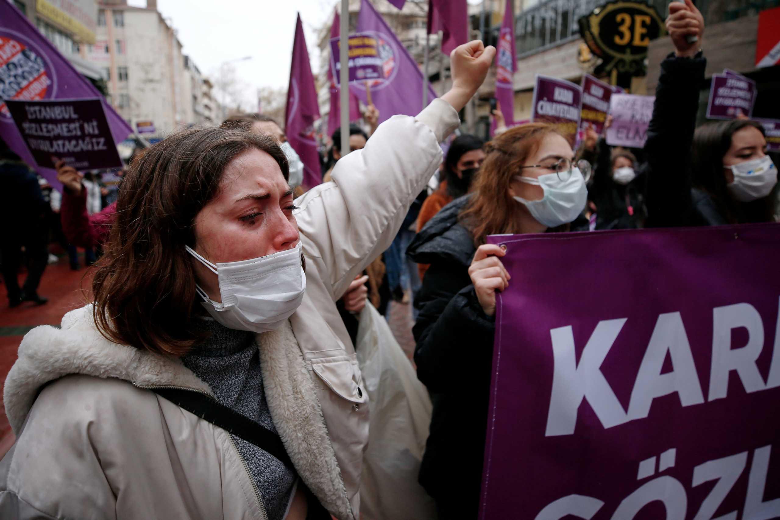 Ερντογάν -Τουρκία: Διαδηλώσεις για απόσυρση από διεθνή Σύμβαση κατά της βίας γυναικών (pics)