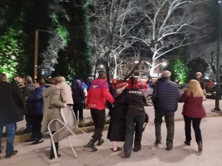 Σεισμός: Εκκενώθηκε ξενοδοχείο με σεισμοπαθείς στον Τύρναβο μετά το νέο «χτύπημα» (video)
