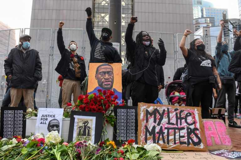 Δολοφονία Τζορτζ Φλόιντ: Μετ' εμποδίων η δίκη του κατηγορούμενου αστυνομικού