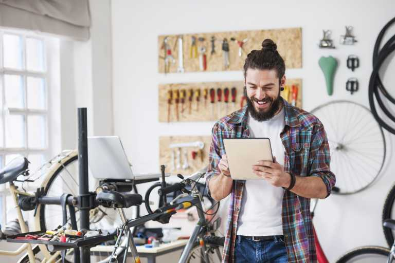 Visa: «Αποστολή» της να εκπαιδεύσει «ψηφιακά» 8 εκατ. μικρές επιχειρήσεις