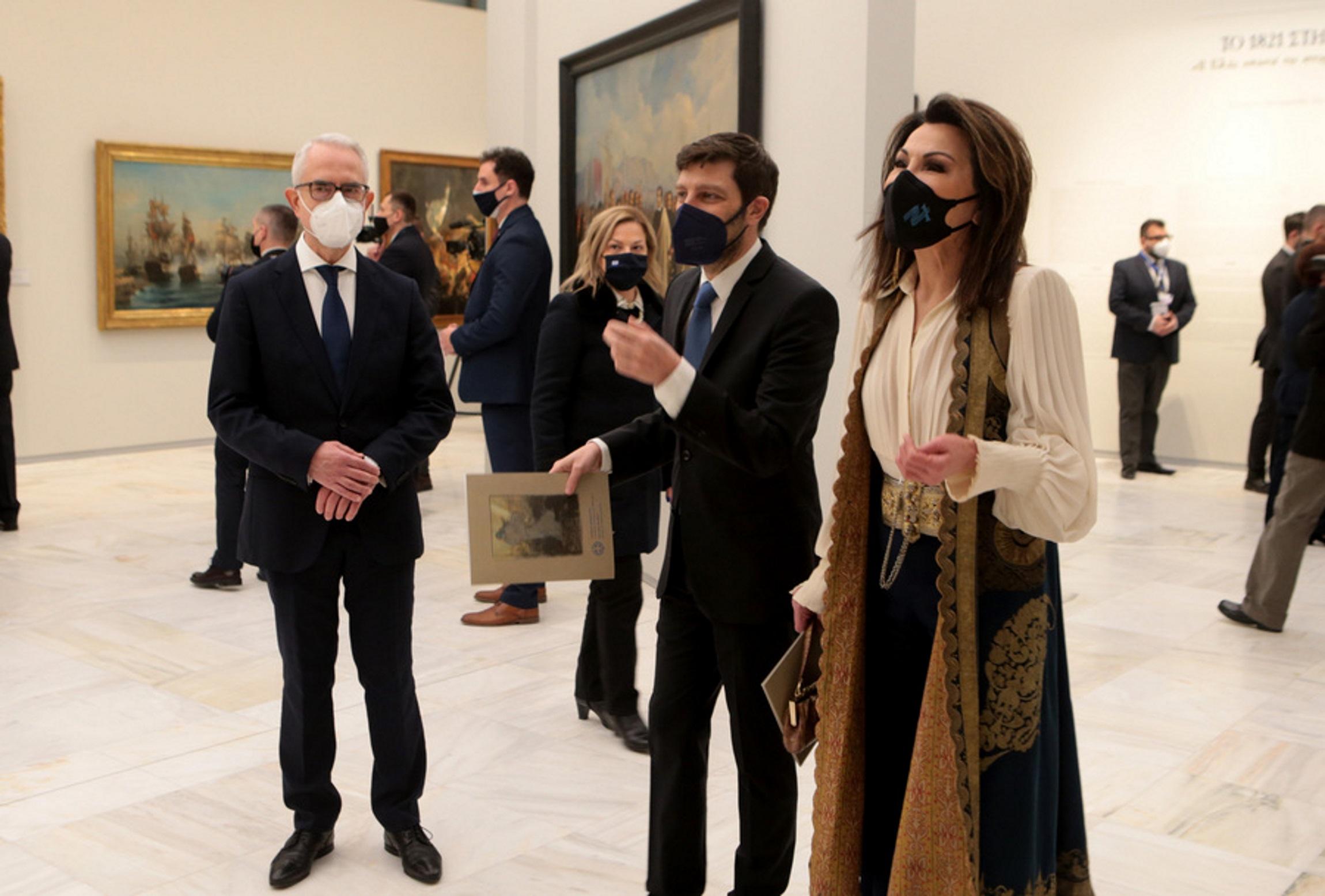 Γιάννα Αγγελοπούλου: Η εμφάνιση που συγκέντρωσε τα βλέμματα στην Εθνική Πινακοθήκη (pics)