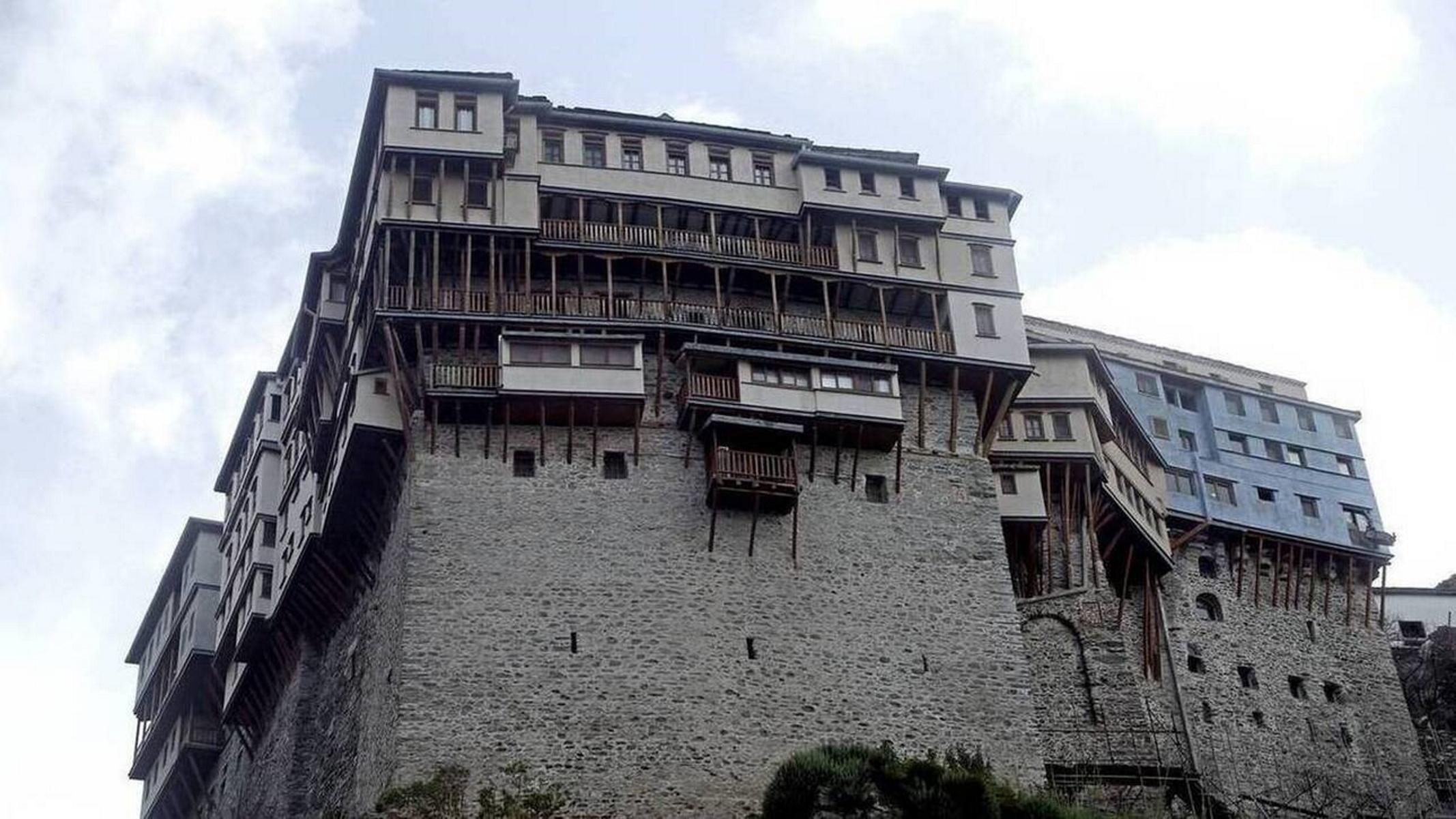 Κορονοϊός – Άγιο Όρος: Έως 15 Απριλίου παρατείνεται η απαγόρευση επισκέψεων μετά τα 20 κρούσματα σε μοναχούς