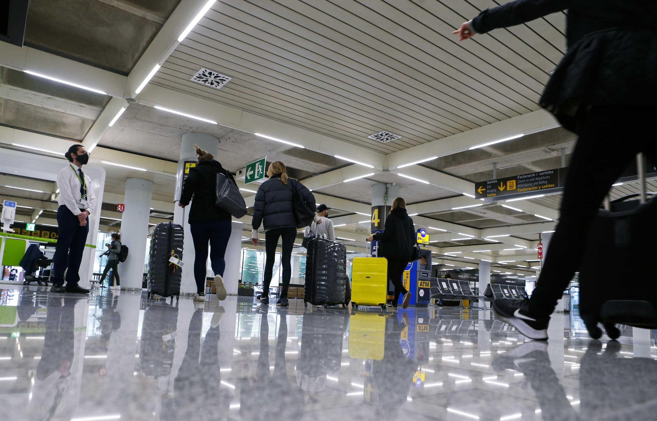 Ρωσία: Παράταση της απαγόρευσης πτήσεων από και προς τη Βρετανία έως την 1η Ιουνίου