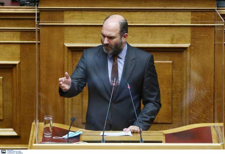 Θερίζει ο κορονοϊός τον πολιτικό κόσμο – Τρεις βουλευτές νοσούν