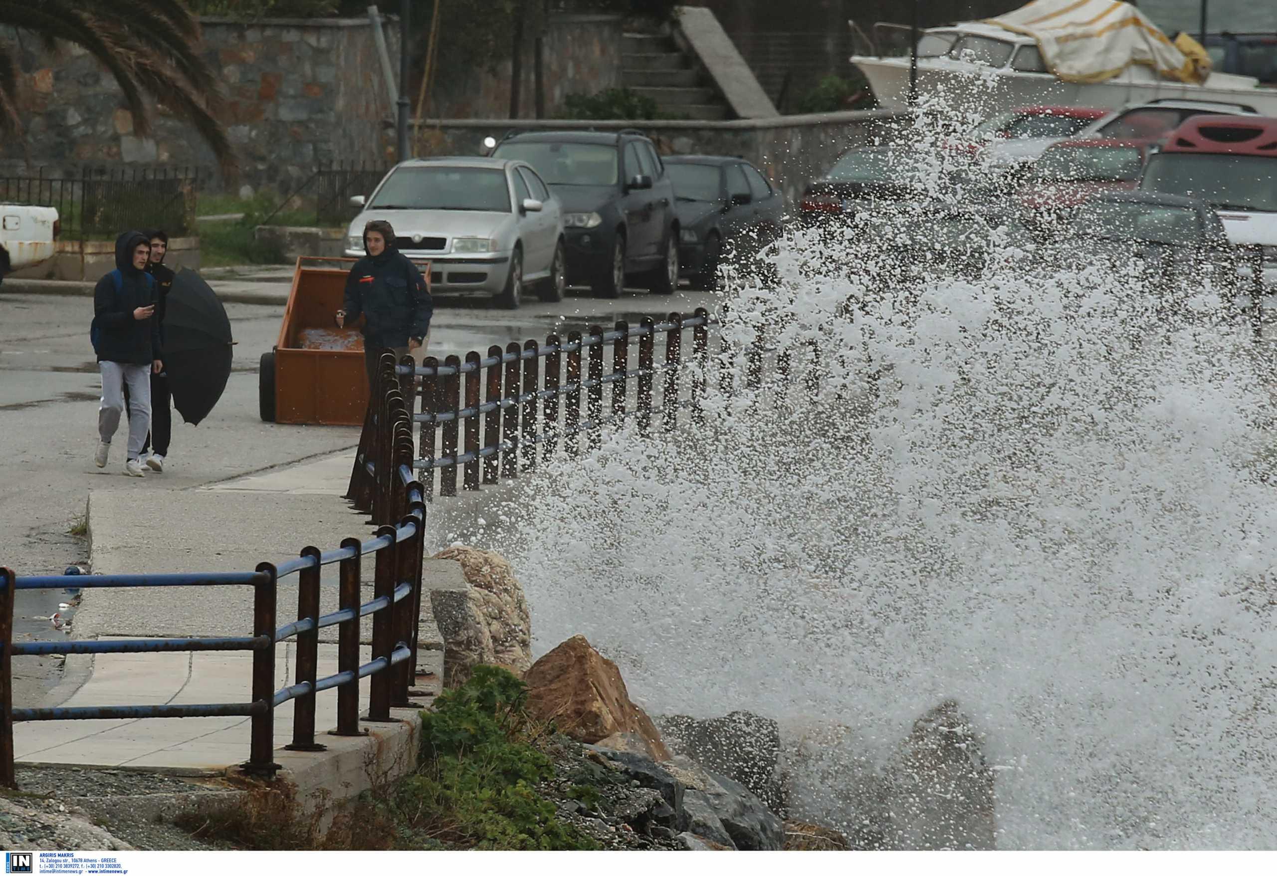 Καιρός: Έκτακτο δελτίο επιδείνωσης με καταιγίδες και θυελλώδεις ανέμους