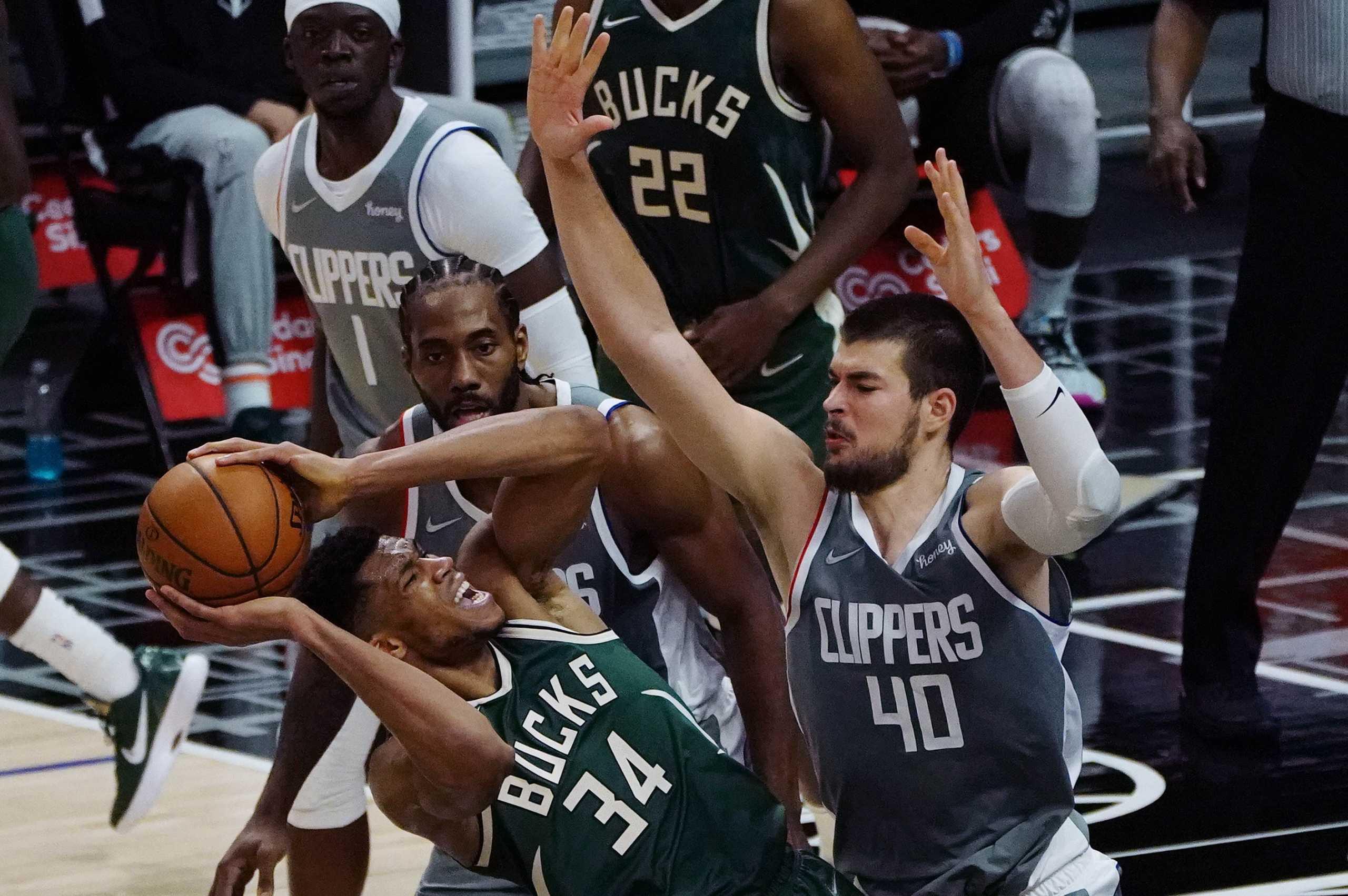 NBA: Οι Κλίπερς διέλυσαν τους Μπακς του Αντετοκούνμπο (video)