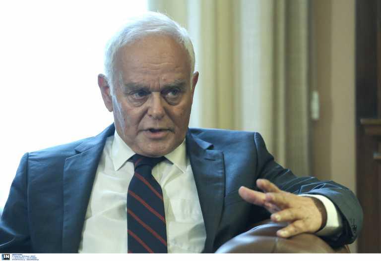 «Πρόσχημα το αίτημα Κουφοντίνα» λέει ο Μανιτάκης: «Δεν μπορεί να ικανοποιηθεί»