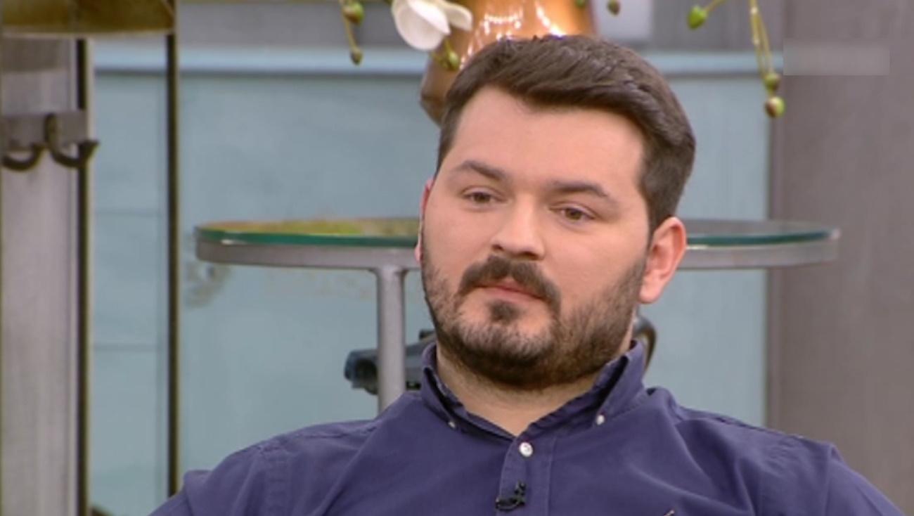 Ο Γιάννης Απέργης εξομολογείται: «Ουρούσαν στην τσάντα μου επειδή είμαι Αλβανός»