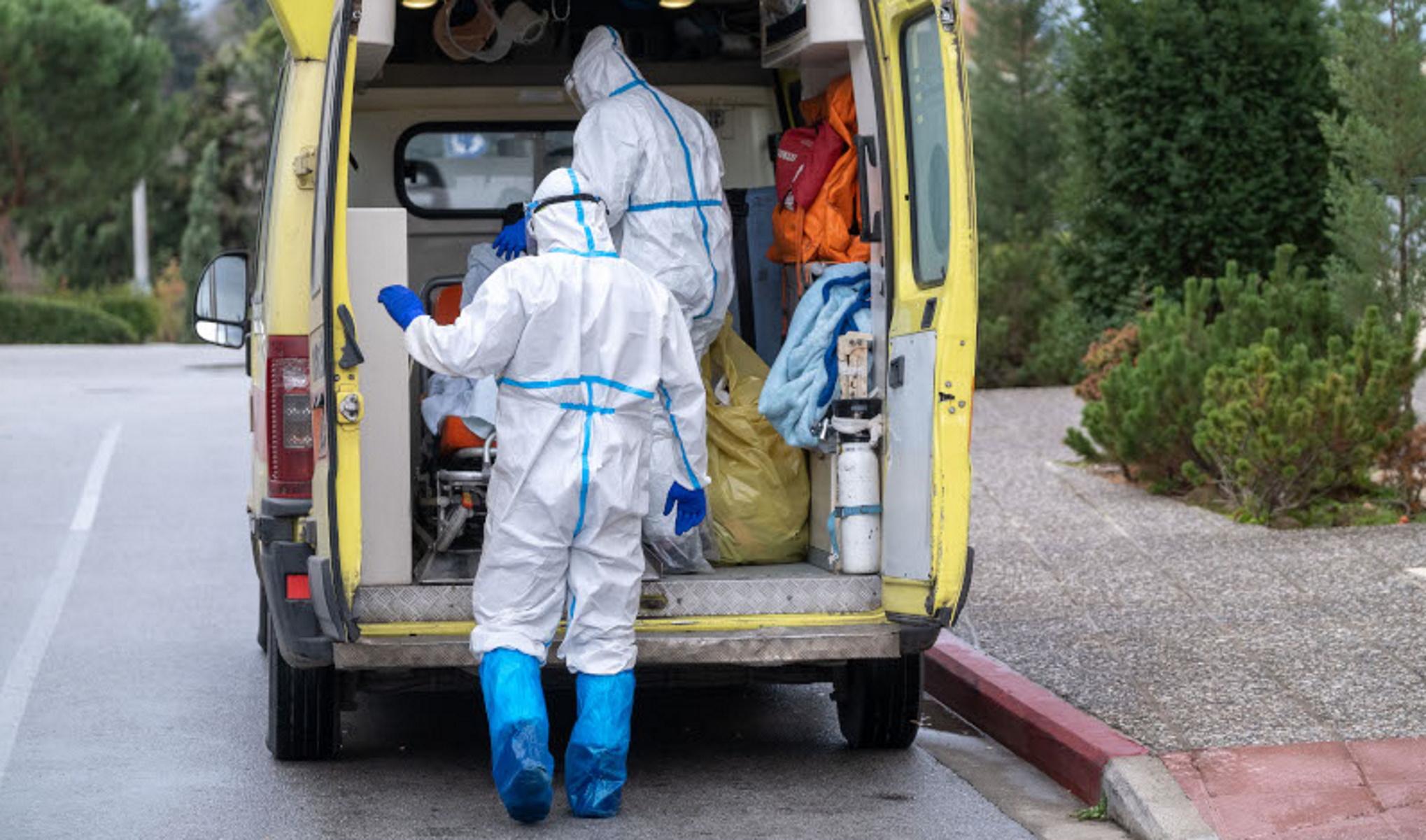Τραγωδία στη Ραφήνα:  Μητέρα και κόρη πέθαναν από κορονοϊό μέσα σε λίγες μέρες