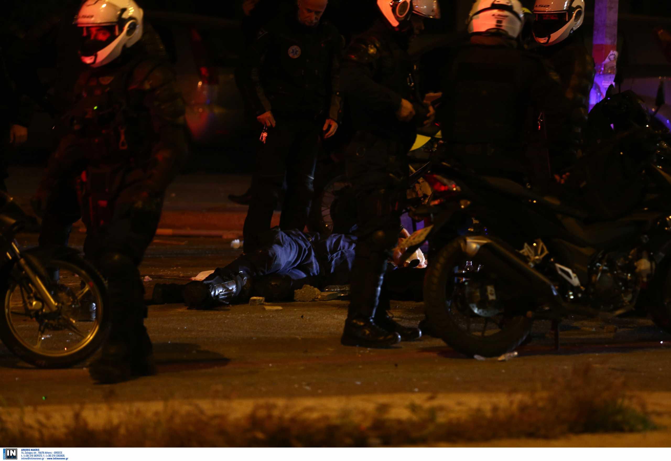 Νέα Σμύρνη: Ομόθυμη καταδίκη του τραυματισμού του αστυνομικού από τα πολιτικά κόμματα