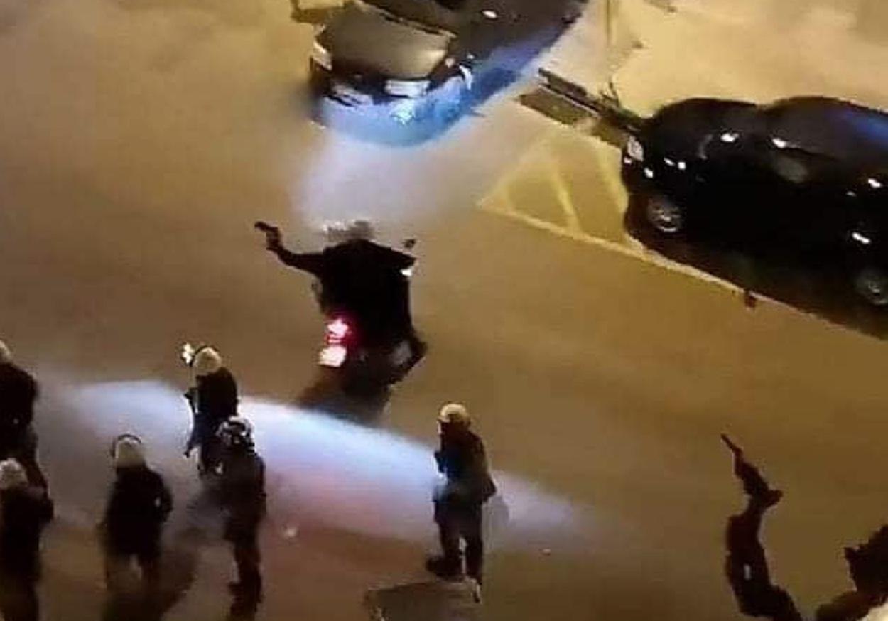 Νέα Σμύρνη: Και οι αστυνομικοί υπό έλεγχο μετά τα video στα social media