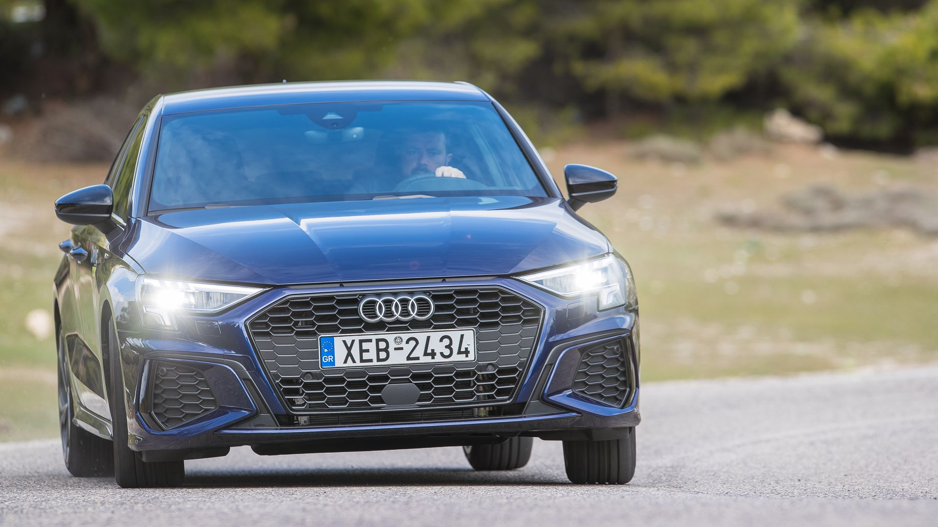 Δοκιμάζουμε το νέο Audi A3 Sportback 40 TFSI e που μπαίνει στην πρίζα! (pics)