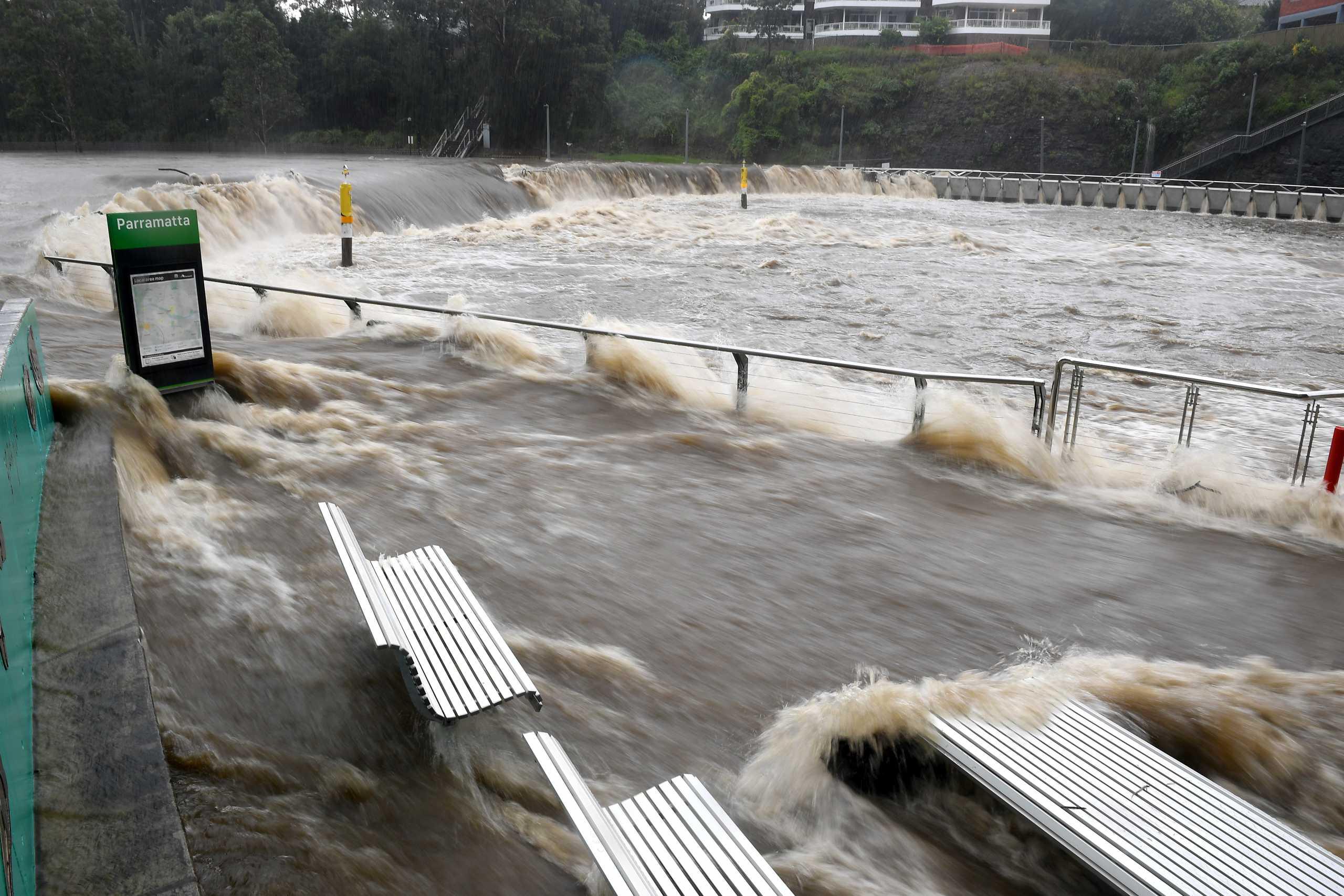 Το Σίδνεϊ ετοιμάζεται για τις χειρότερες πλημμύρες των τελευταίων δεκαετιών