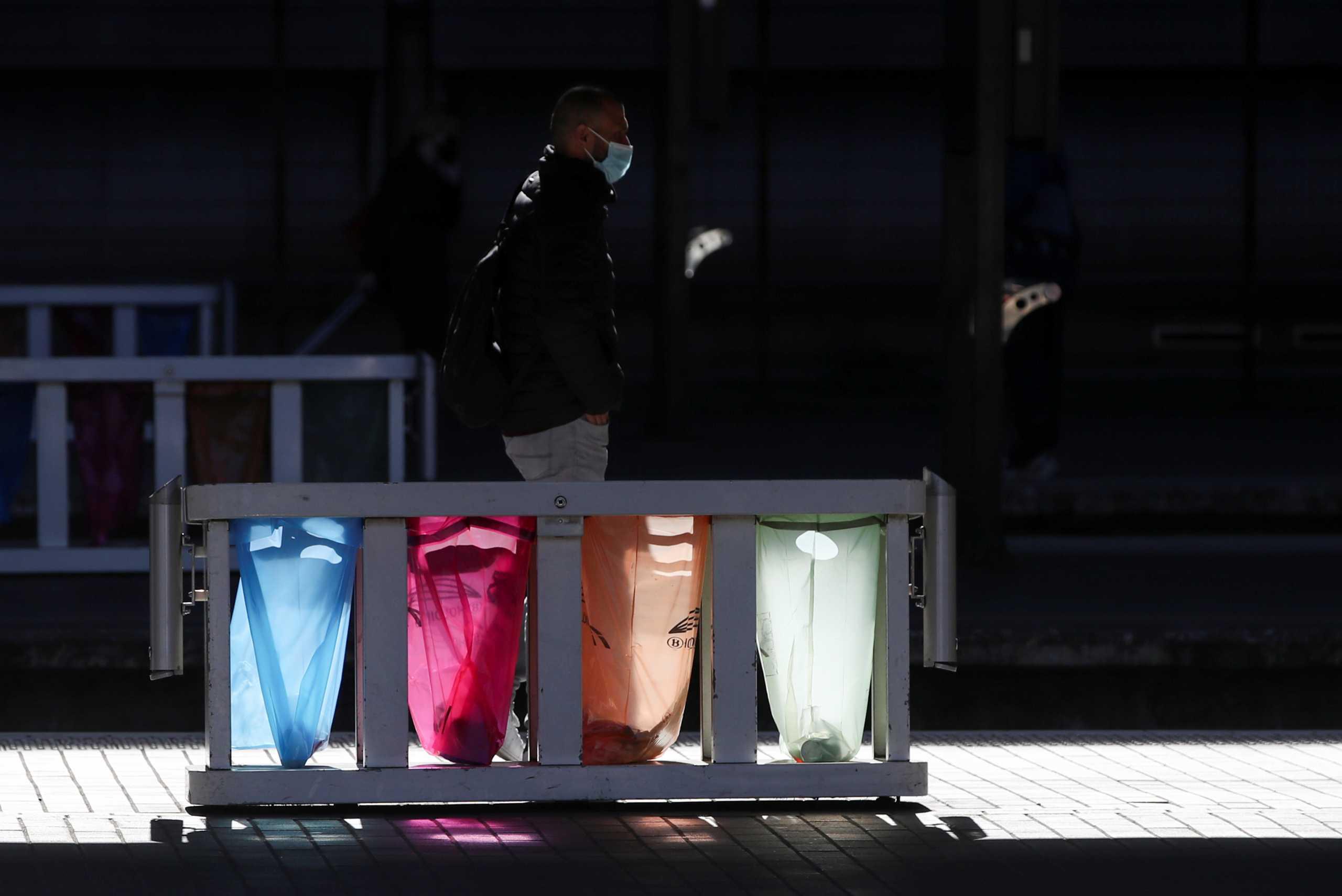Βέλγιο – κορονοϊός: Δικαστήριο επιβάλλει στην κυβέρνηση να αναθεωρήσει τα μέτρα