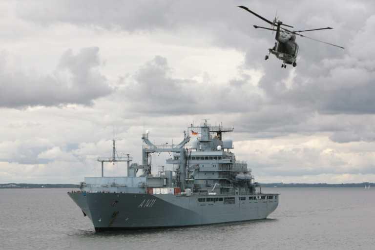 Λιβύη: Το γερμανικό πλοίο «Berlin» ξεκίνησε την αποστολή του για το εμπάργκο όπλων