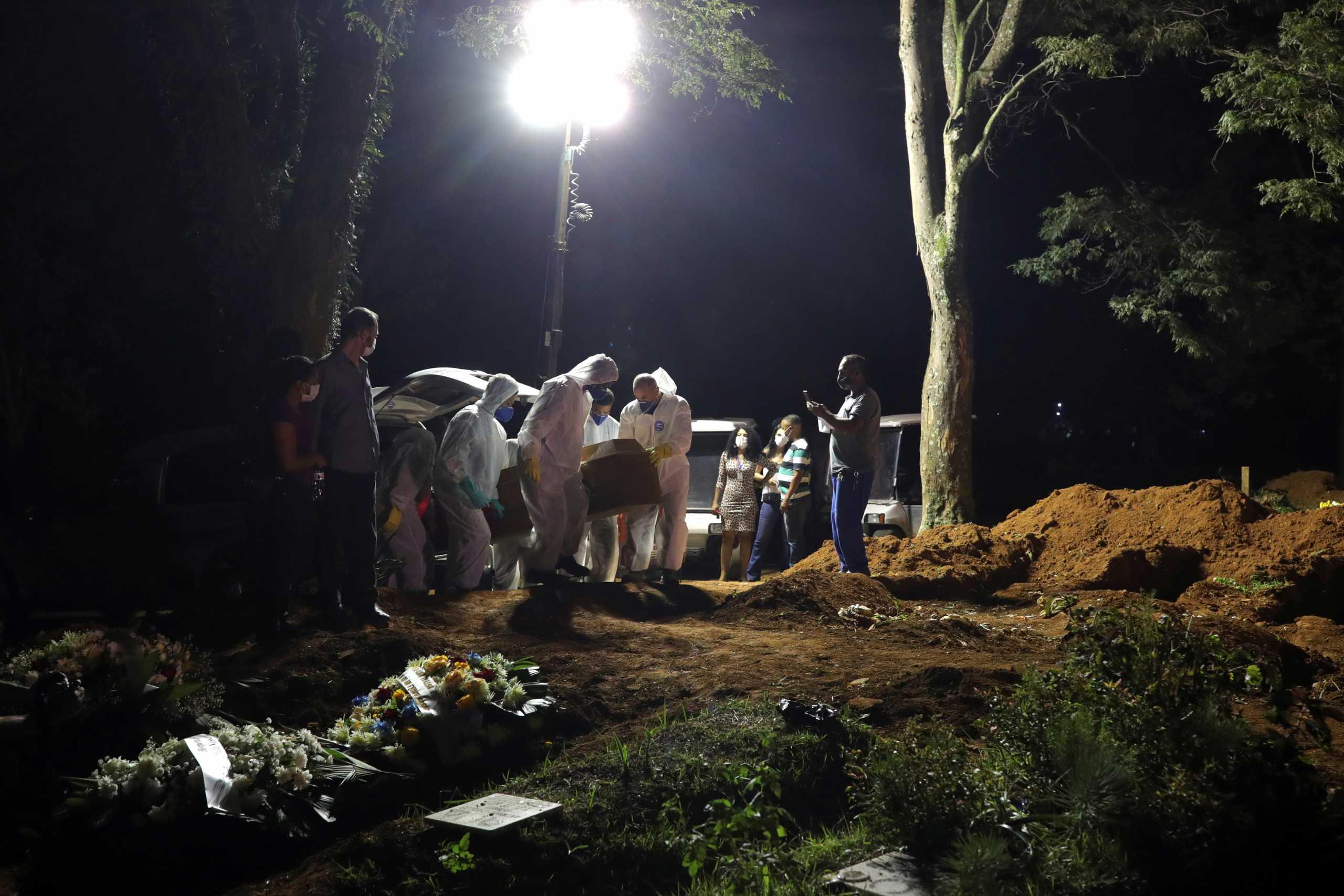 Κορονοϊός: Πάνω από 5 εκατ. οι νεκροί παγκοσμίως – Ανεμβολίαστος ο μισός πληθυσμός του πλανήτη