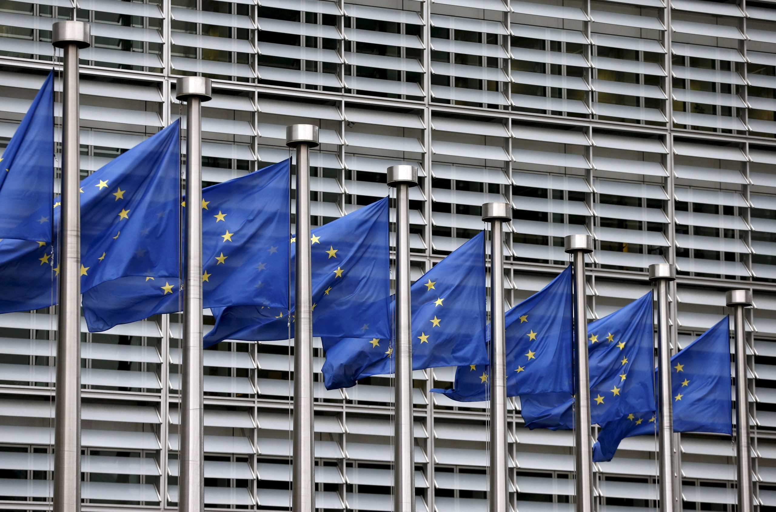 Γάλλος αξιωματούχος: H ΕΕ δεν πρέπει να είναι ο «χρήσιμος ηλίθιος» της πανδημίας